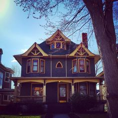 Colorful old house in Old West End Toledo, Ohio by @Ravenslore on Instagram.