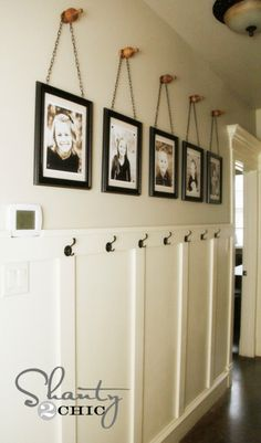 Wall Art ~ Gallery Frames Easy & cheap DIY project to fill a big wall - no power tools needed. Frames on chains on finials.Easy & cheap DIY project to fill a big wall - no power tools needed. Frames on chains on finials. Decor, Home Diy, Cheap Diy, Gallery Frames, Diy Wall, Picture Frame Display, Home Decor, Diy Wall Art, Hallway Decorating