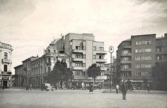 Bucuresti - Piata Kogalniceanu - interbelica Old Pictures, Old Photos, Little Paris, Bucharest Romania, Photo Archive, Time Travel, Dan, Tourism, Street View