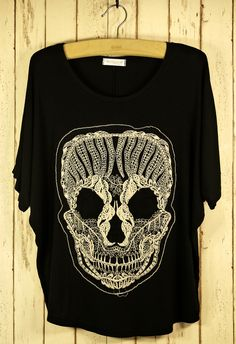 Lace Skull T-Shirt in Black by Chic+ - T-Shirt - Tops - Retro, Indie and Unique Fashion