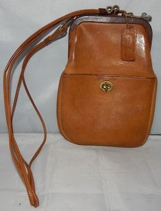 d434630aa6a AUTHENTIC VINTAGE 1960s COACH BROWN LEATHER PRE-CREED KISS LOCK PURSE  RARE!!