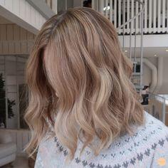 Hair Color And Cut, Cut My Hair, Hair Cuts, Blonde Hair Looks, Brown Blonde Hair, Balayage Hair Blonde, Aesthetic Hair, Hair Highlights, Dyed Hair