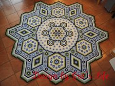 The Vignette Hexagon Quilt made by a German woman using 4000 hexies