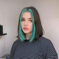 Hair Color Streaks, Hair Dye Colors, Hair Color Dark, Front Hair Styles, Curly Hair Styles, Under Hair Dye, Mode Harajuku, Hair Color Underneath, Dying My Hair
