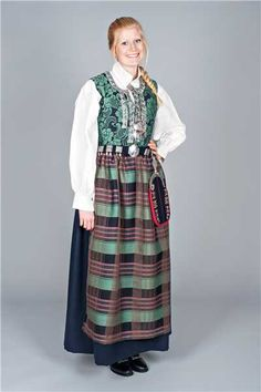 Providing information, photos and general knowledge of Norwegian bunad, festdrakts and folkdrakt. Traditional Fashion, Traditional Dresses, Medieval Dress, Vest, Bohemian, Costumes, Beauty, Knowledge, Romance