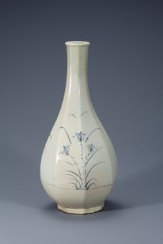 White Porcelain Octagonal Bottle with Orchid Design in Underglaze Cobalt Blue | Highlights::NATIONAL MUSEUM OF KOREA