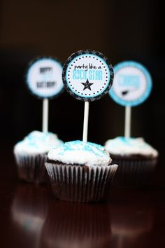 rock and roll wedding  cup cakes
