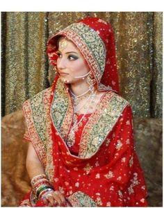 Pakistani/Indian gold bridal jewelry with pearls and stones (zevar): Necklace, tika, nath, and long chand bali jhumkas Bridal Dupatta, Bridal Hijab, Bridal Outfits, Bridal Dresses, Wedding Hijab, Desi Bride, Pakistani Couture, Pakistani Bridal, Indian Bridal