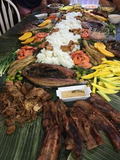 Filipino Dishes, Filipino Recipes, Filipino Food, Filipino Culture, Boodle Fight Party, Military Food, Seafood Party, Boodles, Pinoy Food