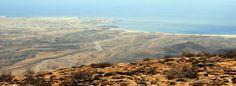 Die Meeresküste bei Salalah im Oman ist ziemlich karg.