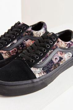 Urban Outfitters Vans Floral Velvet Old Skool Sneaker - W 5/M 3.5