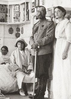 Tsar Nicholas II and daughters.