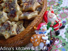Adina's kitchen & travel: Saratele fragede cu untura si lapte Romanian Food, Romanian Recipes, Gordon Ramsay, Gingerbread Cookies, Cooking, Breakfast, Supe, Desserts, Type 3