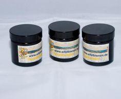 Propolis-Salbe für empfindliche Haut, ohne Zusatzstoffe.  Natürlich schonende Pflege für den Körper. Viele Menschen leiden unter Stoffwechsel-bedingten Hautproblemen. Diese Salbe heilt Wunden und schlechtheilende Hautinfektionen, Risse, juckende Ausschläge. Hilft gegen Ekzeme.   Die Salbe wird nach der Bestellung frisch zubereitet und geliefert.   Inhaltsstoffe:  Oliven-Öl, Bienen Wachs und 10% Propolis.   Menge: 1 Glas Glasinhalt: 50 ml
