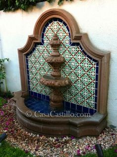 Get the best around the pool landscaping Outdoor Wall Fountains, Patio Fountain, Indoor Fountain, Garden Fountains, Mexican Courtyard, Mexican Patio, Mexican Home Decor, Mission Style Homes, Spanish Style Homes