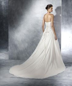 White One collectie: model Teresa
