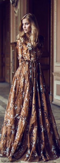 I LOVE this gown......family Thanksgiving dinner party.....