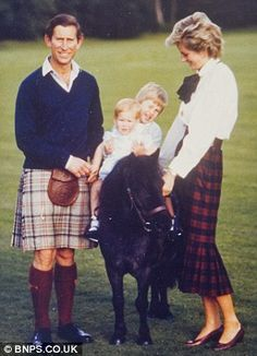 1985 Princess Diana,  Prince William,  Prince Harry and Prince Charles