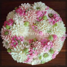 white and sweet pink butte cream piping flower.