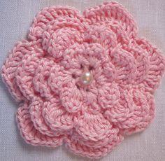 Heklet rosa blomst.
