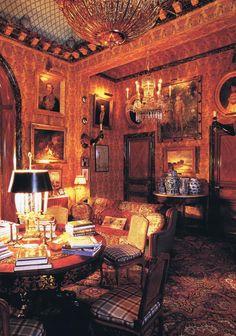 Chez le Baron et la Baronne Guy de Rothschild.