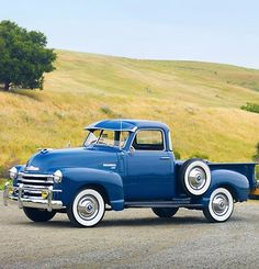 Vintage Trucks Classic 1950 Chevy 3100 General Motors, Bring this style back please. :) - Take a cruise down memory lane with these vintage rides. Antique Trucks, Vintage Trucks, Antique Cars, Vintage Antiques, Chevy 3100, Chevy Pickups, Buick, Cool Trucks, Cool Cars