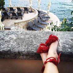 Blog de moda - Se inicia la subasta de las sandalias Aquazzura rojas. Las sandalias más deseadas de este verano. Llévalas con jeans o con vestidos.  https://thehighville.com/site/actualAuctions