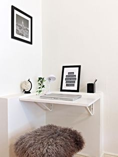 6 Best DIY Corner Desk Ideas with Simple Design Concept – Home Office Design Corner Tiny Office, Home Office Space, Home Office Design, Home Office Decor, Home Decor, Office Desk, Home Office Bedroom, Design Desk, Office Spaces