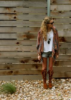 57 best Ideas for cowgirl boats outfit summer skirts denim shirts Moccasin Boots Outfit, Fringe Boots Outfit, Summer Boots Outfit, Summer Outfits, Cute Outfits, Outfit Winter, Lace Knee High Boots, Minnetonka Boots, Bohemian