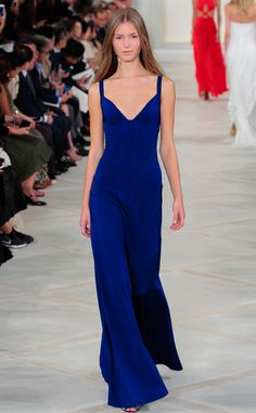 Ralph Lauren Spring 2016 from 2016 Golden Globes Dress Predictions It may seem basic, but with the right accessories, makeup and hair, Kate could be a Best Dressed nominee. Red Carpet Dresses, Blue Dresses, Long Dresses, Fashion Week, Fashion Outfits, Royal Blue Gown, Haute Couture Designers, Golden Dress, Blue Evening Gowns
