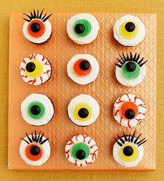 Kids will love these colorful Eerie Eyeball Cupcakes!