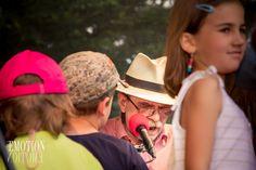 Den plný zábavy a hudby v zámeckém parku Kunratice. Fotky a video z akce najdete tady http://fotoemotion.cz/reportaze/divadlovparku/