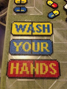 Hand washing sign Pony Bead Patterns, Beading Patterns, Fuse Beads, Perler Beads, What To Make, Pony Beads, Projects To Try, Cross Stitch, Gadgets