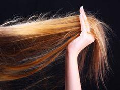 Un parfum spécial cheveux pour une chevelure qui sent bon noté 3.33 - 3 votes L'idée de vouloir parfumersa chevelurepeut sembler quelque peu… tirée par les cheveux (oui, elle était facile celle-là, on n'en est pas fiers)! Mais quand la senteur de nos soins capillaires s'évanouit trop rapidement, cela peut être une idée sympathique. Outre...
