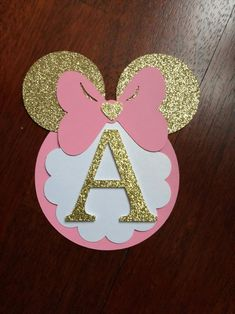 minnie mouse *** please leave the date of your event*** Super adorable Minnie Mouse Banner. Light pink color with gold glitter. This banner will bring so much cuteness to your event. Decoration Minnie, Minnie Mouse Birthday Decorations, Minnie Mouse First Birthday, Minnie Mouse Baby Shower, Minnie Mouse Theme, Mickey Birthday, 1st Birthday Girls, Diy Birthday, 1st Birthday Parties