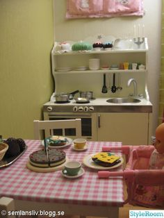 Homemade playkitchen- hers could look a lot like this if I re do it