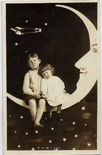 junction design crawl 2013: Paper Moon Portrait Booth at RE
