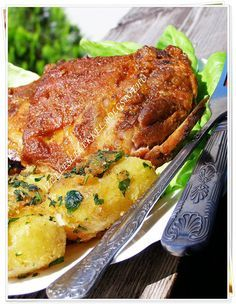MÉZES-FEHÉRBOROS PÁCBAN SÜLT CSONTOS TARJA Hungarian Recipes, Hungarian Food, Roasted Pork Tenderloins, Pork Dishes, Pork Roast, Meat, Chicken, Hungarian Cuisine, Pulled Pork Sliders