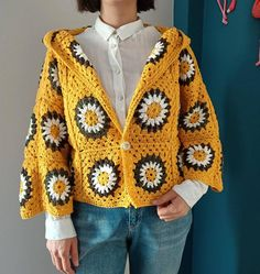 Boho Crochet, Crochet Jacket, Crochet Cardigan, Crochet Granny, Crochet Fashion, Knit Crochet, Hand Crochet, Granny Square Poncho, Granny Squares