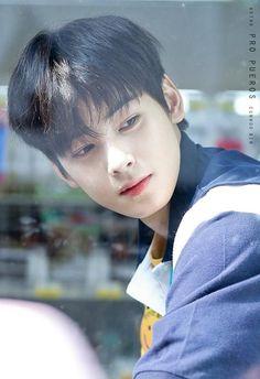 I swear. Beautiful Boys, Pretty Boys, Cute Boys, Korean Celebrities, Korean Actors, Celebs, Kim Myungjun, Cha Eunwoo Astro, Lee Dong Min