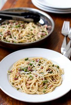 Spaghetti with Pancetta and Peas | girlgonegourmet.com