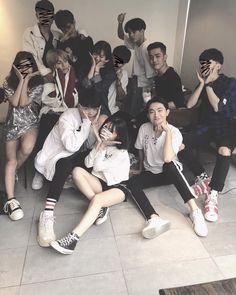 Friends Moments, Group Of Friends, Cute Friends, Friends Forever, Mode Ulzzang, Ulzzang Korean Girl, Ulzzang Couple, Korean Best Friends, Boy Squad