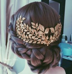These 50 Celtic Knot Braid Hairstyle Ideas 2019 are made for thousands of years in many unique cultures, and for a wide variety of uses. As it happens, Celtic Knot braids always look fabulous. Box Braids Hairstyles, Hairstyle Ideas, Updo Hairstyle, Greek Hairstyles, Prom Hairstyles, Bridesmaids Hairstyles, Bridesmaid Hair, Cornrows, Braid Styles