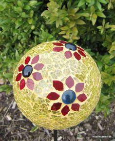 Gartendeko Rosenkugel, Stele