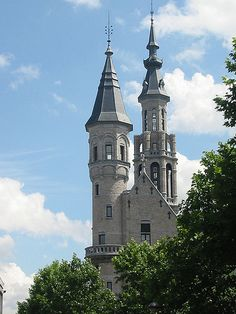 Sleeping Beauty's castle - Verviers, Belgium (I'd die to actually be able to go there someday)