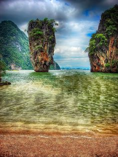 ✯ Khao Phing Kan - James Bond Island - Ko Tapu been there seen that! Beautiful Places To Travel, Beautiful World, Amazing Places, Beautiful Homes, Travel Around The World, Around The Worlds, James Bond Island, Tokyo Japan Travel, Holiday Places