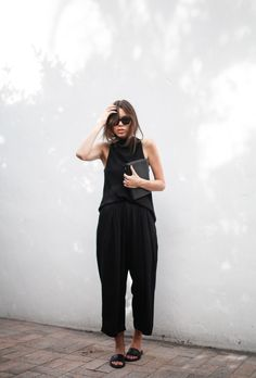 modern legacy blog street style culottes crop wide leg pants Camilla and Marc high neck assent funnel top all black outfit Alexander Wang bag Prisma envelope clutch slide sandals spring summer (4 of 16)