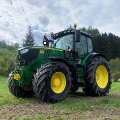 Atm Cash, Big Tractors, Farm Plans, Female Farmer, John Deere Equipment, Farm Gardens, Motor, Vehicles, Tractors