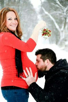 Christmass maternity example for a pic..