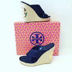 Tory Burch size 7 wedge comes with box $64.99 PLDTW item #4877-19 Alexis Suitcase  At the Johns Creek location! For info or to purchase please call 770.390.0010 ex 2 #AlexisSuitcase #Consignmentatlanta #consignment #resale #highenddesigner #designer #consign #atlanta #atlantaconsignment #consignatlanta #resaleatlanta #luxury #luxuryfashion #fashioninspiration #toryburch #toryburchwedges by alexissuitcase
